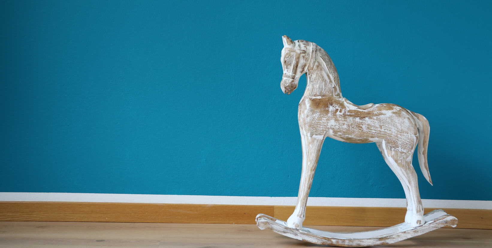 Foto cavallo a dondolo Psicoterapia Paola Morniroli
